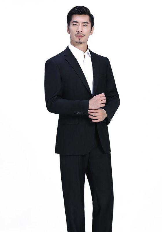 资深买家教你怎么判定一套定制西装的好坏?